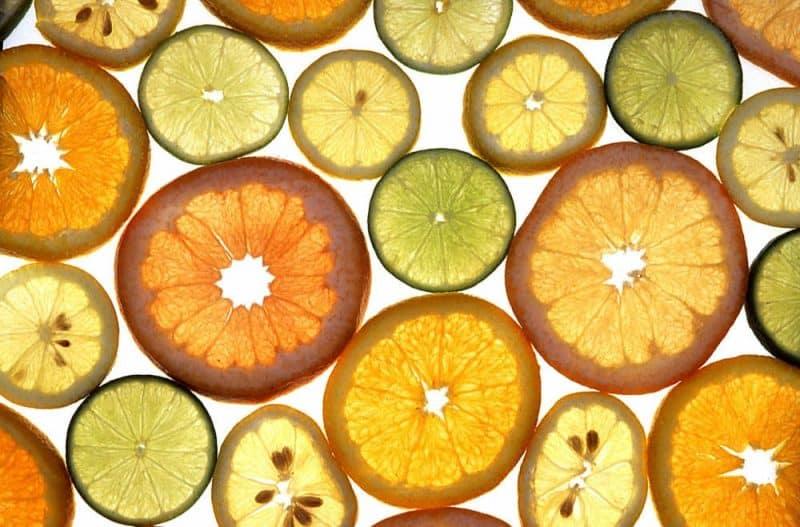 Intervallfasten ist so gesund: Zitrusfrüchte in Scheiben