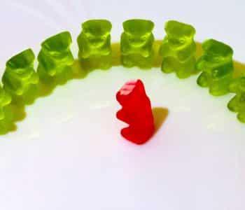 welche methode beim intervallfasten, grüne Gummibärchen im Kreis